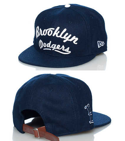 NEW ERA MENS SCRIPT BK DODGERS MLB STRAPBACK CAP Navy