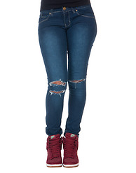 ESSENTIALS KNEE SLASH SKINNY JEAN