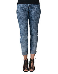 ESSENTIALS TONAL STRETCH CUFFED BOYFRIEND JEAN