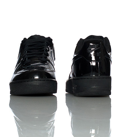 NIKE - Sneakers - AIR FORCE LOW PATENT LEATHER