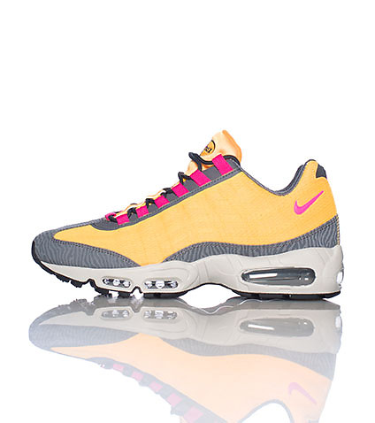 NIKE SPORTSWEAR MENS AIR MAX 95 PRM TAPE SNEAKER Orange