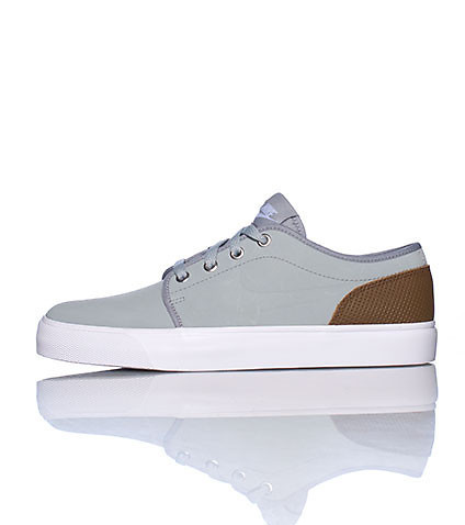 NIKE MENS TOKI LOW LTHR PREM SNEAKER Grey