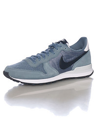 NIKE INTERNATIONALIST SNEAKER