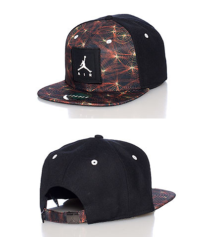 JORDAN MENS CHRISTMAS DAY STRAPBACK CAP Black