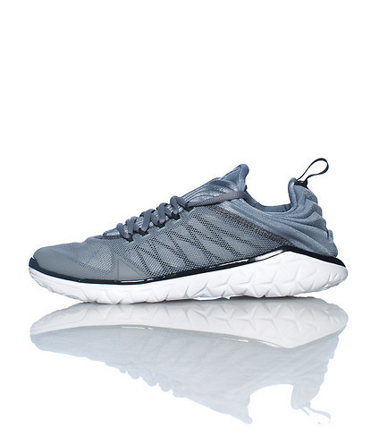JORDAN MENS FLIGHT FLEX TRAINER SNEAKER Silver