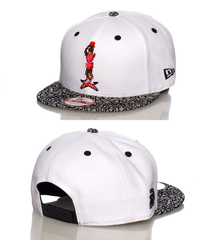 NEW ERA MENS PIXELATED SNAPBACK JJ EXCLUSIVE White
