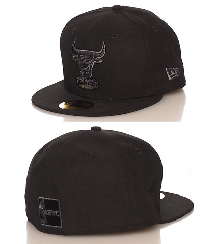 NEW ERA MENS CHICAGO BULLS NBA FITTED CAP Black