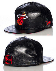 NEW ERA MIAMI HEAT NBA FLORAL FITTED CAP