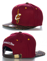 MITCHELL AND NESS CLEVELAND CAVALIERS NBA STRAPBACK CAP