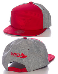 MITCHELL AND NESS CHICAGO BULLS FOAM SNAPBACK