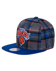 MITCHELL AND NESS NY KNICKS NBA PLAID SNAPBACK CAP
